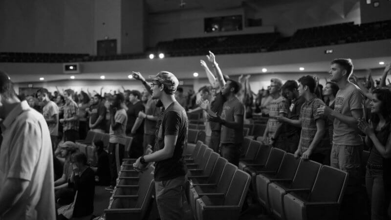 4 Ways to Help Your Church Engage in Worship