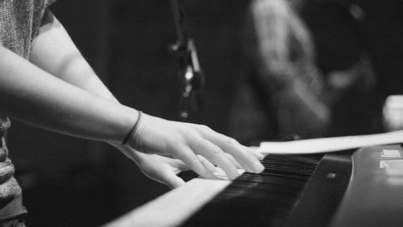 3 Ways to Teach Your Worship Team to Play by Ear