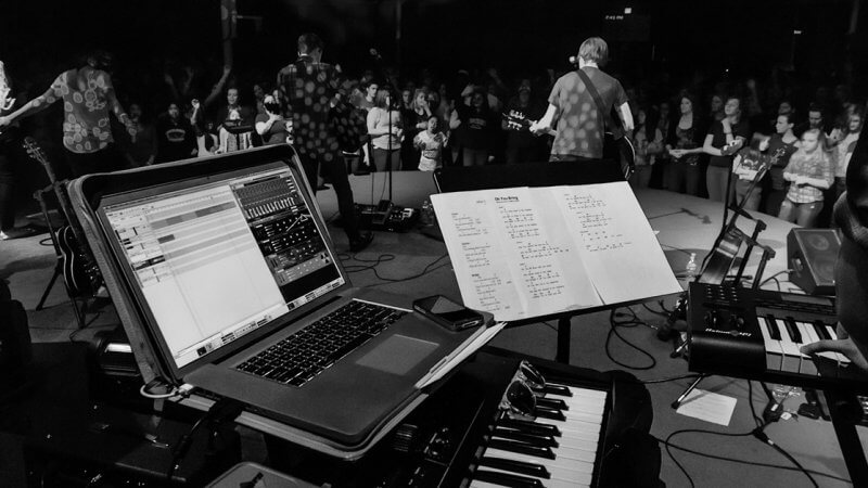 Backing Tracks in Worship: A Love-Hate Relationship